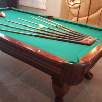 Beautiful Pool Table In Excellent Conditions